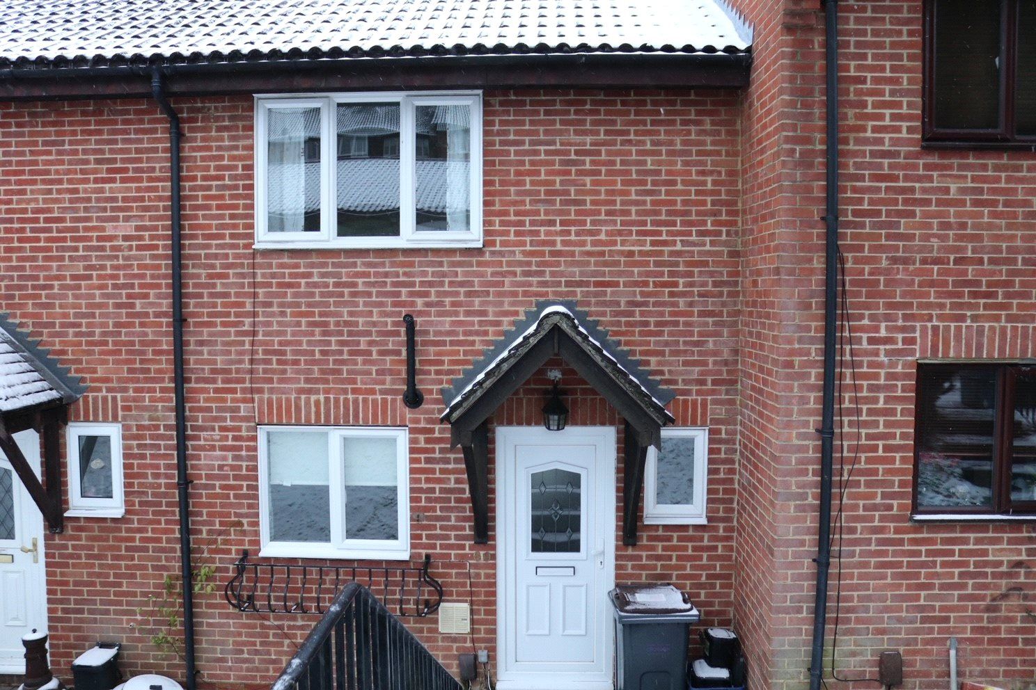 Cozy terraced house within quiet village in Purley!