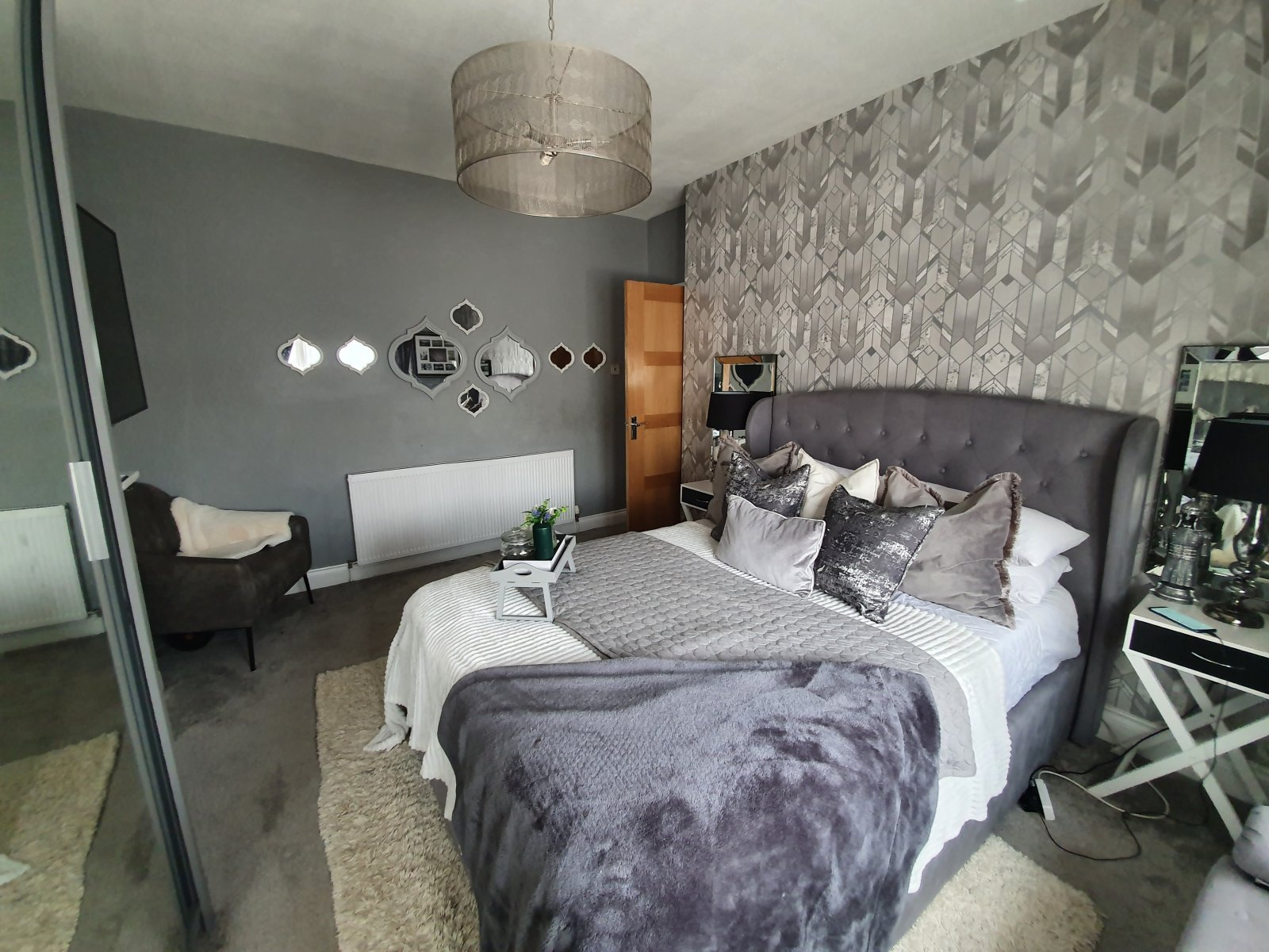 Stunning 3 bedroom house with parking and garden