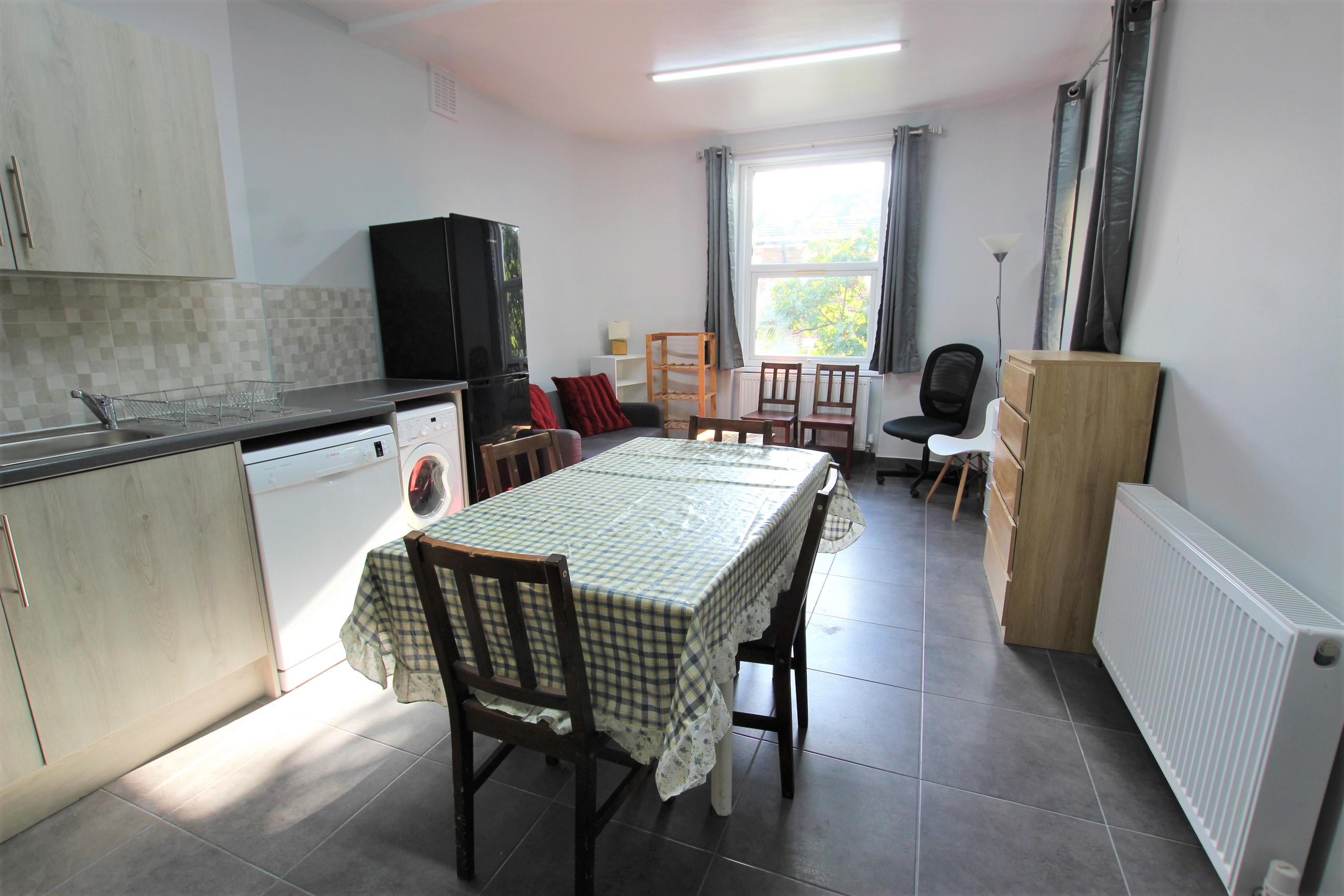 Three Double Bedroom Flat to Rent - Camberwell